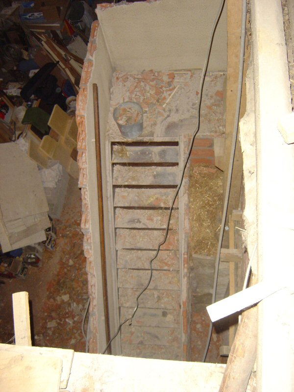 http://djgogo.free.fr/travaux/cassage_escalier-15.jpg