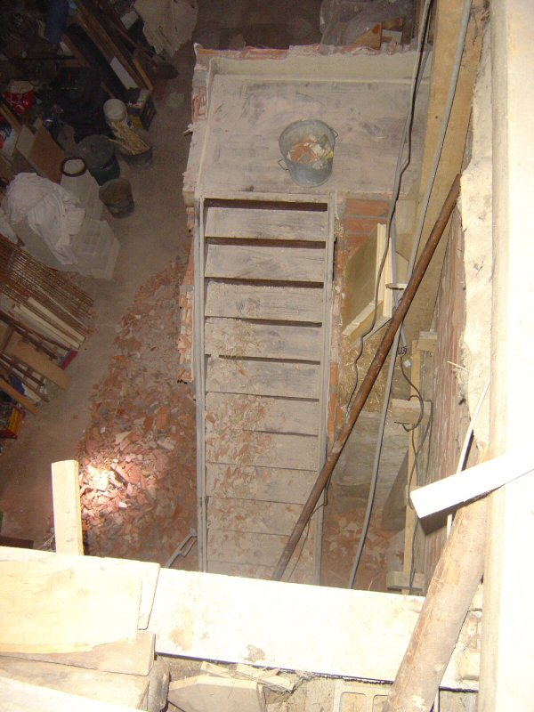 http://djgogo.free.fr/travaux/cassage_escalier-23.jpg
