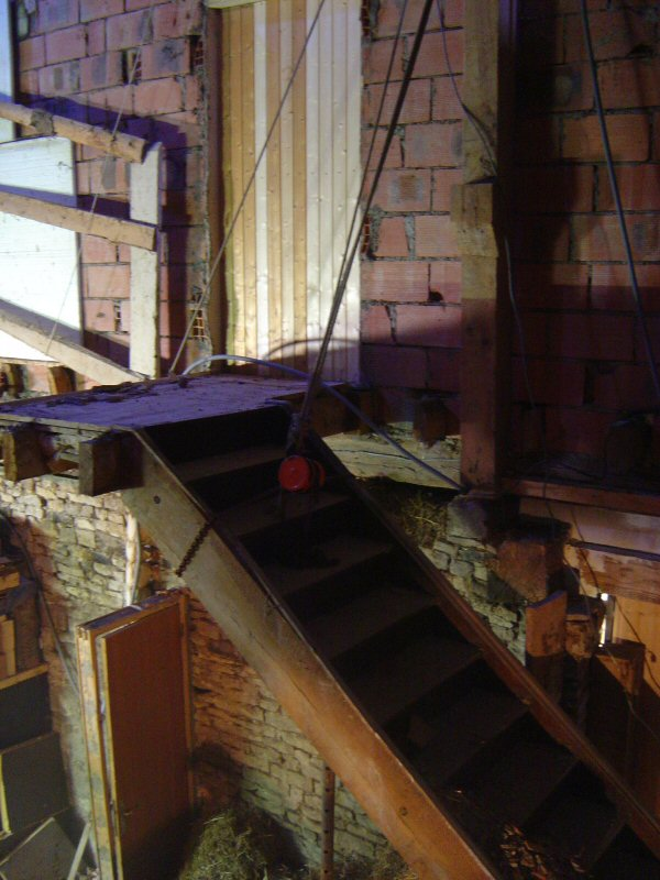 http://djgogo.free.fr/travaux/cassage_escalier-26.jpg