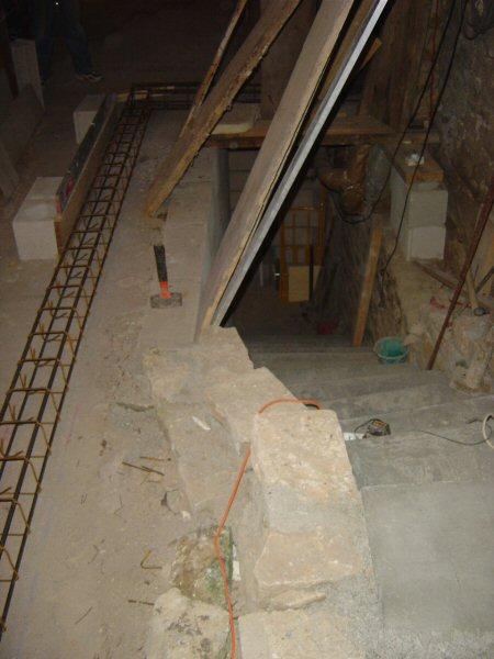 http://djgogo.free.fr/travaux/escalier-murs-02.jpg