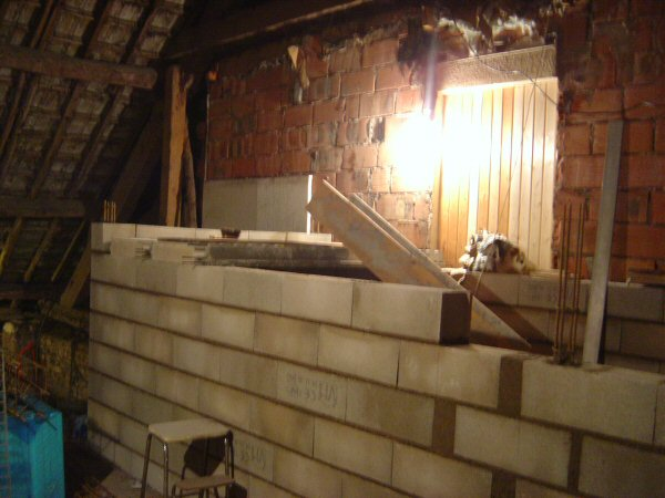 http://djgogo.free.fr/travaux/escalier-murs-40.jpg