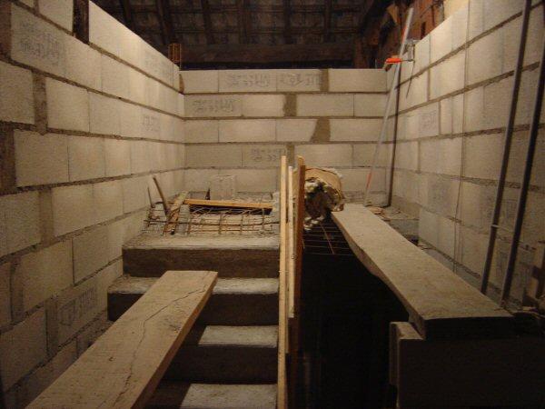 http://djgogo.free.fr/travaux/escalier-murs-48.jpg
