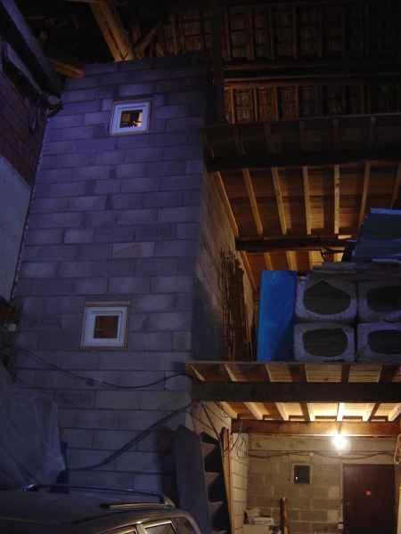 http://djgogo.free.fr/travaux/escalier-murs-60.jpg